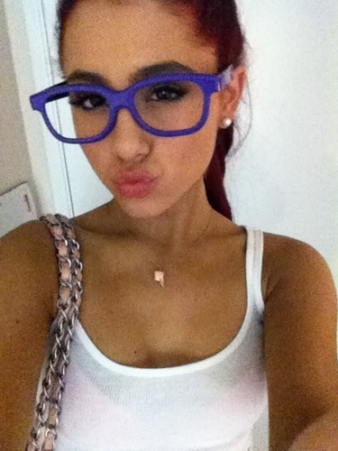 Ariana Grande wallpaper with sunglasses called Ariana Grande-Never Say Never 3D