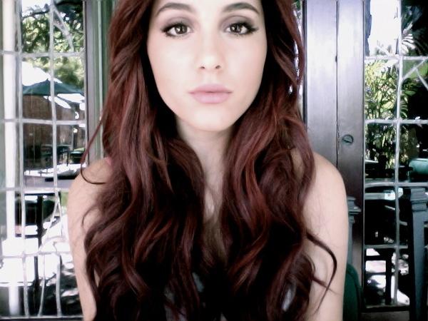 Ariana Grande, Selena Gomez e Jennifer Lawrence: rubate le