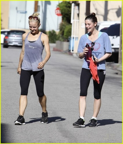 Ashley Greene Crushes on Joseph Gordon-Levitt