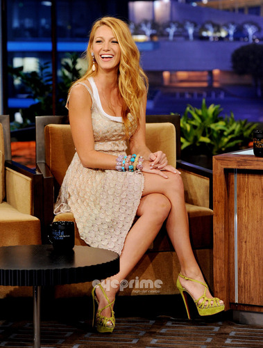 Blake Lively appears on The Tonight toon With vlaamse gaai, jay Leno, Jun 15