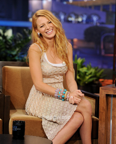 Blake Lively appears on The Tonight montrer With geai, jay Leno, June 15