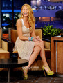 Blake Lively appears on The Tonight hiển thị With chim giẻ cùi, jay Leno, June 15