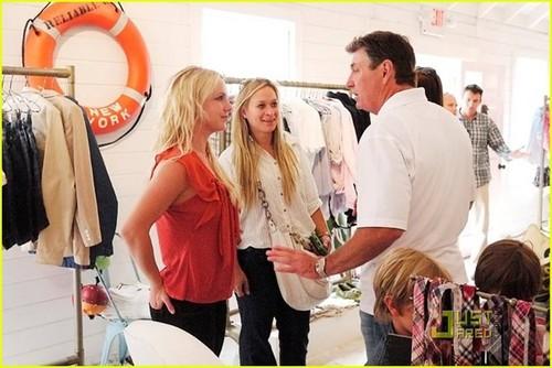 Britney Spears: Tommy Hilfiger Prep World Shopper!
