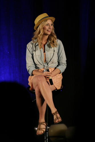 siku 2 of Candice's appearance at Bloody Night Con 2011 in Barcelona, Spain!