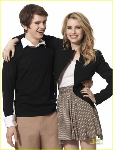 Emma Roberts & Freddie Highmore: 'Getting By' foto Shoot!
