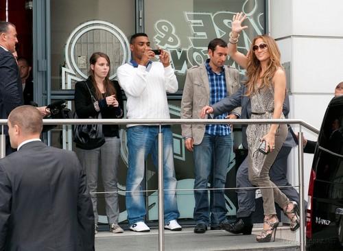 Jennifer - Leaving her Paris Hotel - June 14, 2011