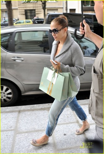Jennifer Lopez: Lanvin Lady in Paris!