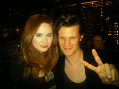 Matt Smith achtergrond possibly containing a portrait entitled Matt Smith & Karen Gillan candid