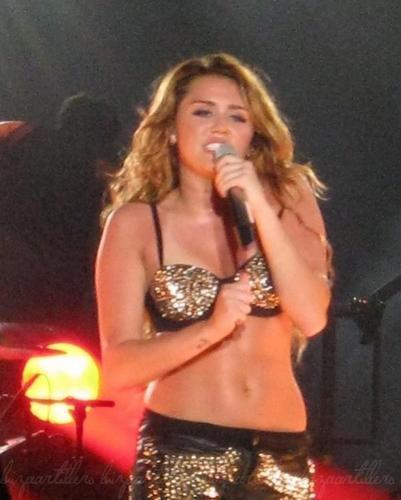 Miley Cyrus Manila konsiyerto Pictures 2