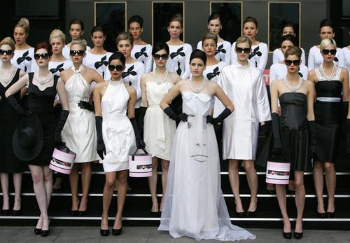モデル Dress Like Audrey Hepburn For her 80th Birthday Tribute