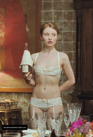 Emily Browning kertas dinding entitled New 'Sleeping Beauty' Stills