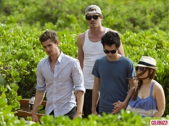 Out with Garrett Hedlund & friends (July 15th 2011)