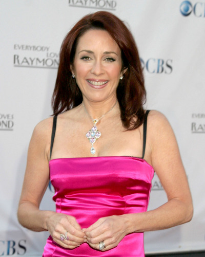 patricia heaton wallpaper probably with a coquetel dress, a jantar dress, and a portrait called Patricia Heaton