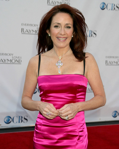 patricia heaton wallpaper containing a jantar dress entitled Patricia Heaton