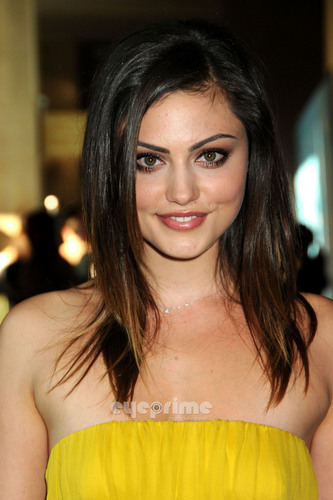 Phoebe Tonkin: Women In Film Crystal & Lucy Awards in Beverly Hills, Jun 16
