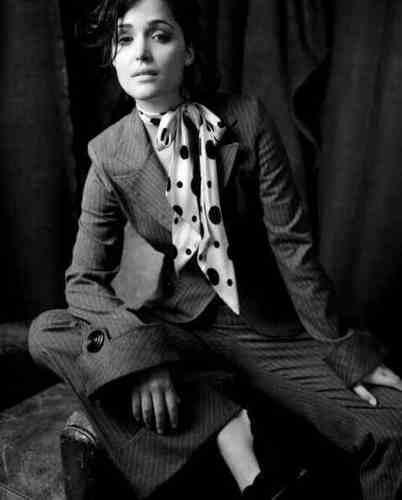 Rose Byrne'