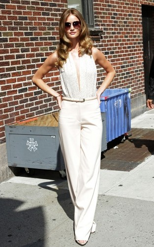 """Rosie Huntington Whiteley was busy doing some early promoting at the """"Late Show"""" on Wednesday"""