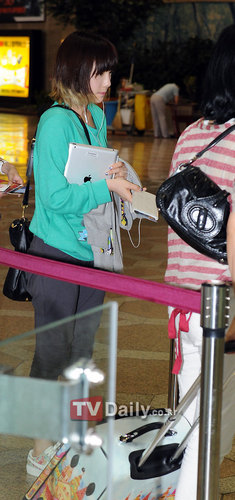 SNSD airport fashion - girls-generation-snsd Photo