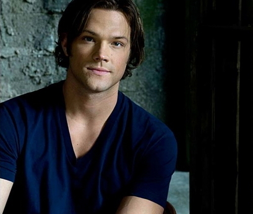 Sam Winchester wolpeyper entitled SUPERNATURAL