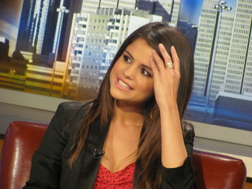 Selena - At 'Good день Atlanta' - June 16, 2011