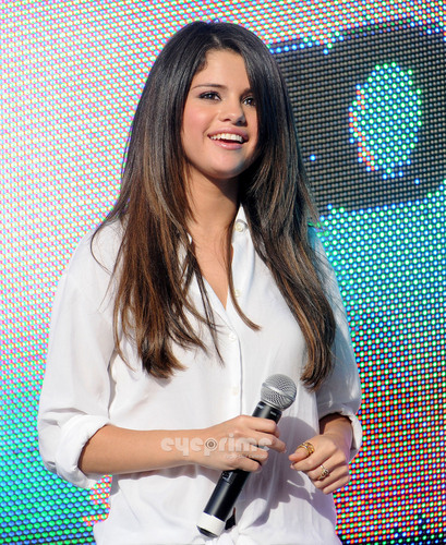 "Selena Gomez: ""Experience Monte Carlo"" 音乐会 Series in Atlanta, Jun 16"