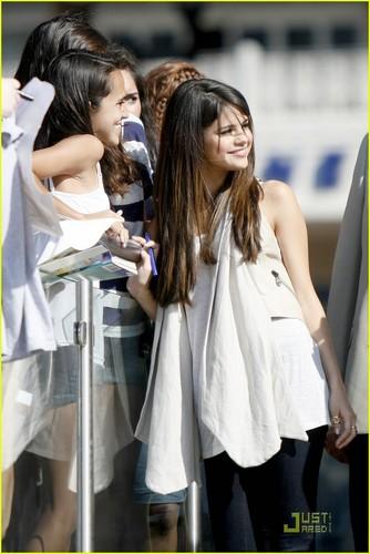 Selena Gomez: Good Morning, Texas!