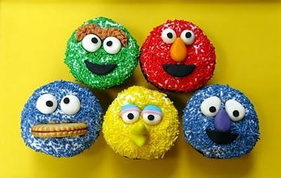 Sesame Street wallpaper called Sesame Street on your Cupcake!