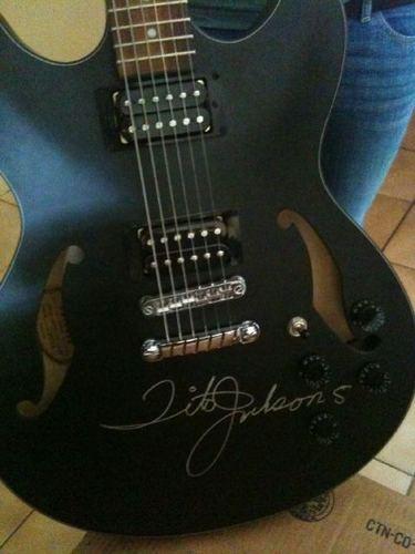Tito's гитара auction 6-18-11