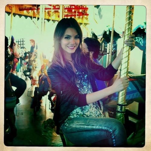 Victoria Justice-Carousel