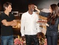 Akon with indian actor named shahrukh khan