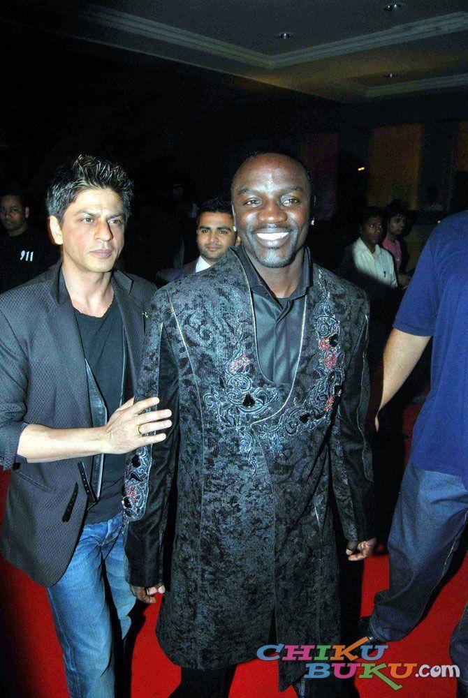 Akon Images Akon With Indian Actor Named Shahrukh Khan Hd Wallpaper