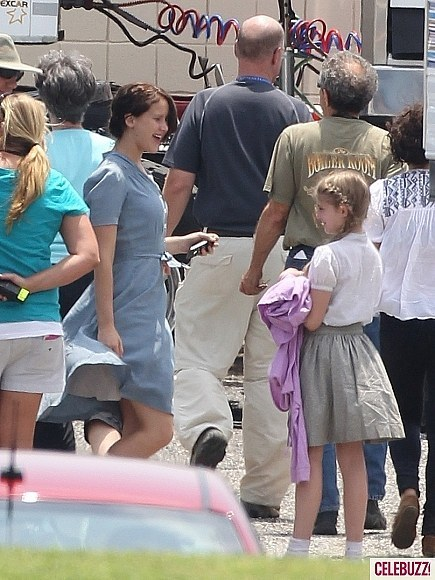 jennifer lawrence on the set - katniss-peeta-and-gale photo