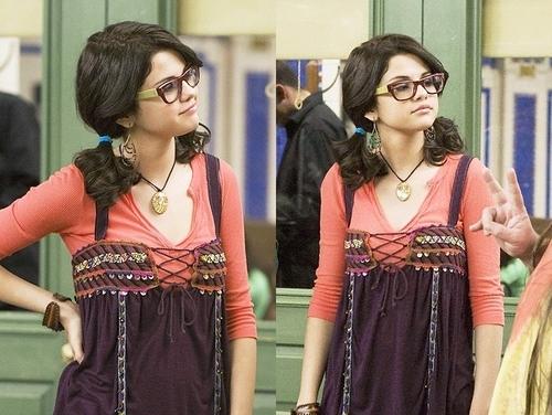 selena in glasses cute