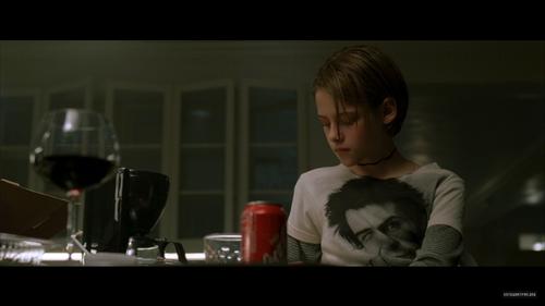 ক্রিস্টেন স্টুয়ার্ট দেওয়ালপত্র titled 'Panic Room' DVD Screen Captures