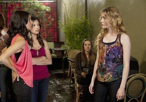 "1х5 ""Girls Night Out"" Stills"