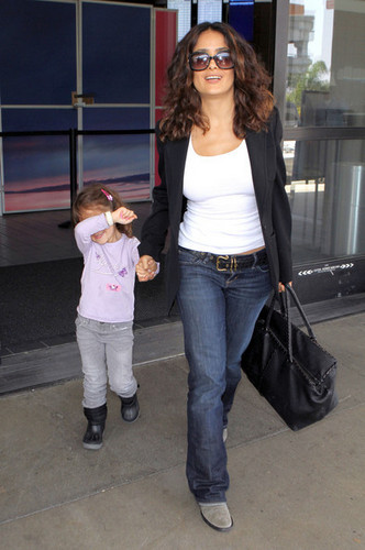 Arriving On A Flight At LAX with Valentina [June 20, 2011]