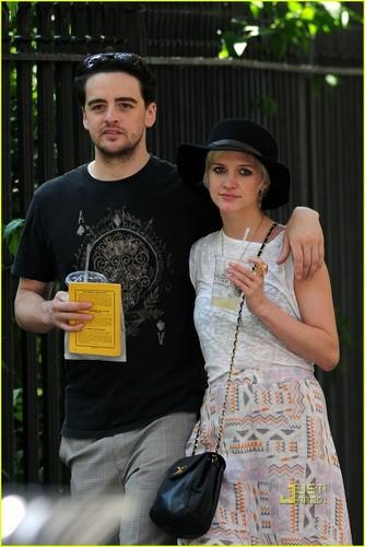 Ashlee Simpson & Vincent Piazza: New Couple Alert!