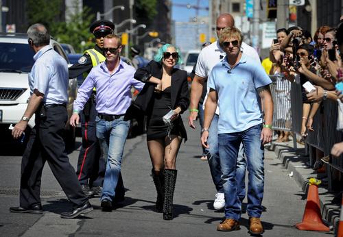 Gaga arriving @ MMVA 2011
