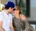 Hilary Duff & Mike Comrie - hilary-duff-and-mike-comrie photo