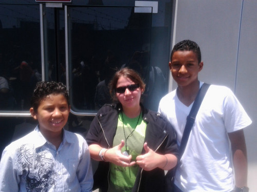 Jaafar and Jermajesty with a fan! :)