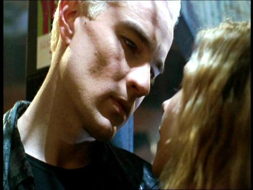 Buffy the Vampire Slayer karatasi la kupamba ukuta called James Marsters Spike season 4 of Buffy