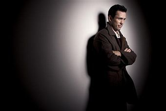 Jeffrey Donovan wallpaper possibly with a well dressed person and a business suit called Jeffrey Donovan