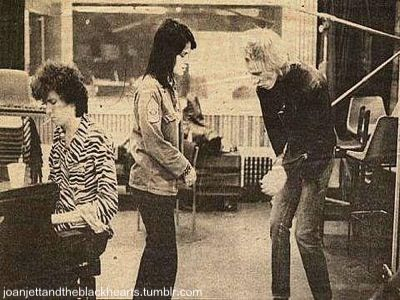 Joan Jett with the Sex Pistols - joan-jett Photo