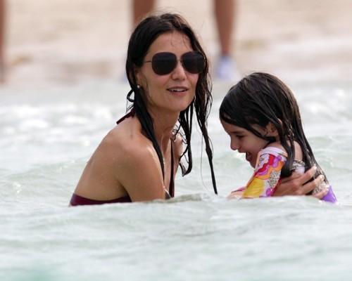 Katie Holmes & Suri Cruise: Miami Beach Babes!