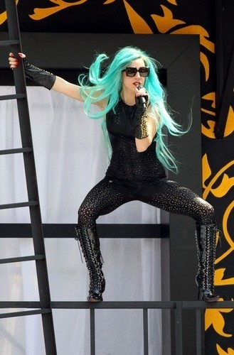 Lady Gaga Rehearses for Much Music