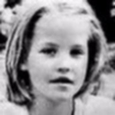 Lisa Marie Presley fond d'écran containing a portrait called Little Lisa