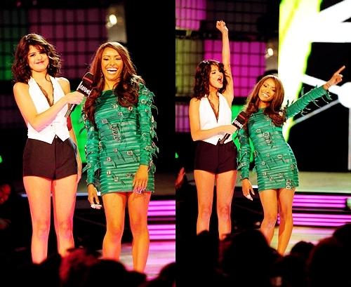 MMVA- Kat Graham with Selena Gomez