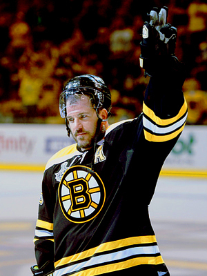 Mark Recchi @ Stanley Cup Finals - 2011