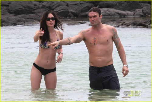 Megan শিয়াল & Brian Austin Green: Kona Couple