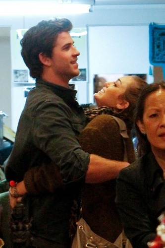 Miley - Shopping with Liam in Sydney, Australia - June 20, 2011